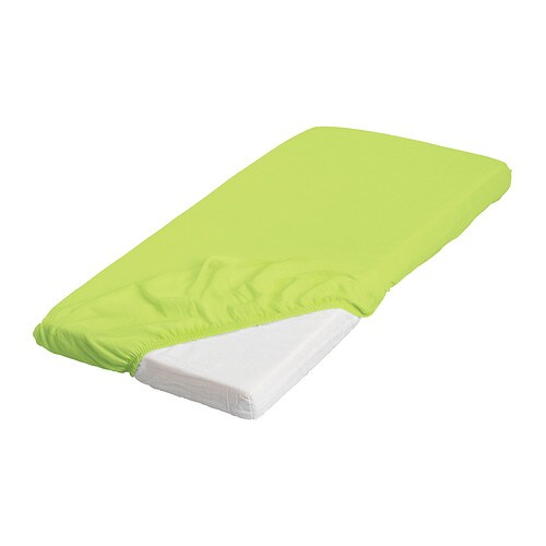 LEN Fitted sheet   Elastic keeps the sheet stretched smooth around the mattress.  Cotton, soft and nice against your child's skin.