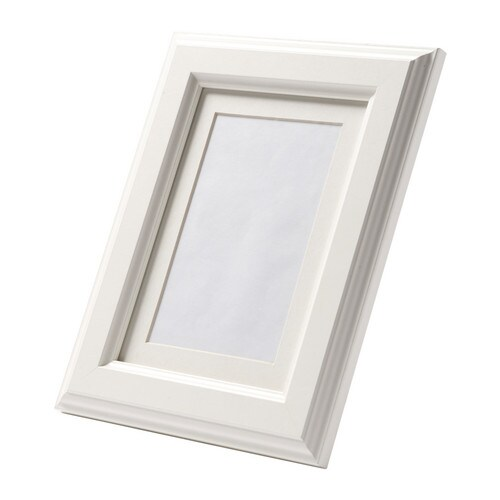 VIRSERUM Frame   Fits A4 size pictures if used without the mount.  The mount enhances the picture and makes framing easy.