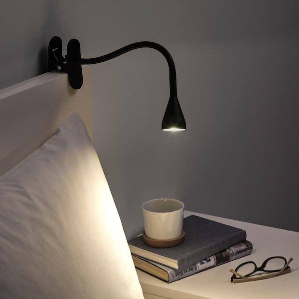 NÄVLINGE مصباح توجيهي بملقط LED, أسود
