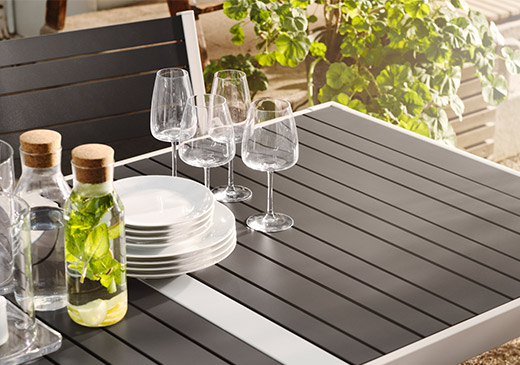 SJALLAND outdoor dining set table focus