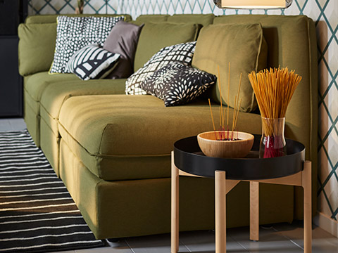 IKEA Home furnishings VALLENTUNA modular sofa with ypperlig coffee table