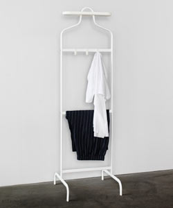 MULIG valet stand has hooks for belts or scarves and a removable tray.