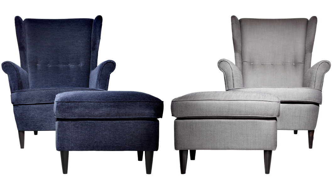 Two STRANDMON armchairs with footstools, in blue and grey.