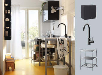 Kitchen with free-standing bench, wall cabinet and mixer tap