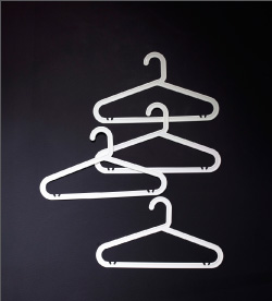 BAGIS clothes hangers in white