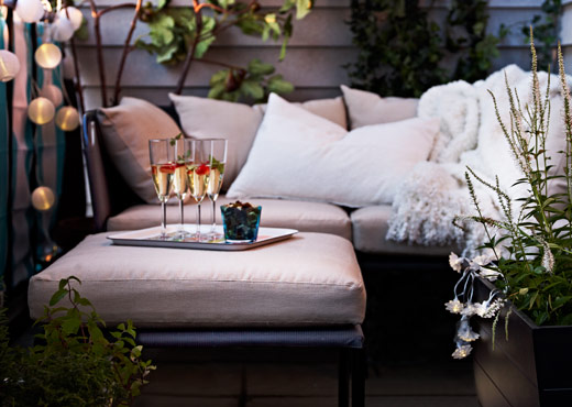 GARPEN sofa combination in a patio in evening light