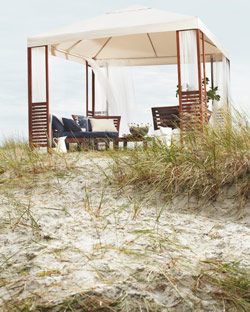 ÄPPLARÖ gazebo placed in sand dunes
