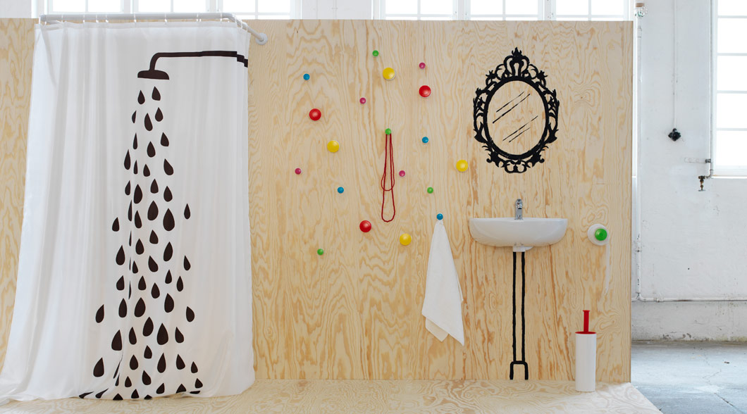 Display with TVINGEN shower curtain and LOSJÖN hangers