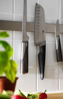 Knives for safe cooking