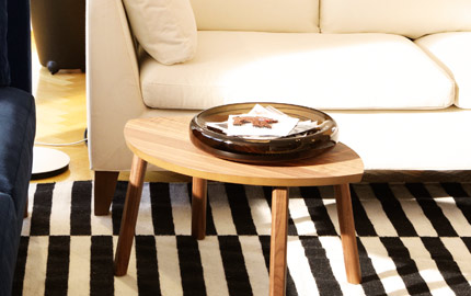 STOCKHOLM glass bowl in brown on STOCKHOLM table in walnut veneer, by IKEA