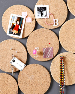cheap and easy cork board idea use cork heat pads. Black Bedroom Furniture Sets. Home Design Ideas