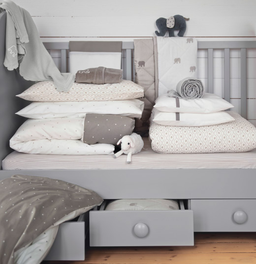 wohnen mit kind baby ikea. Black Bedroom Furniture Sets. Home Design Ideas