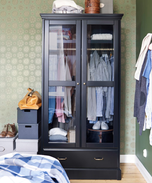 bedroom clothes storage