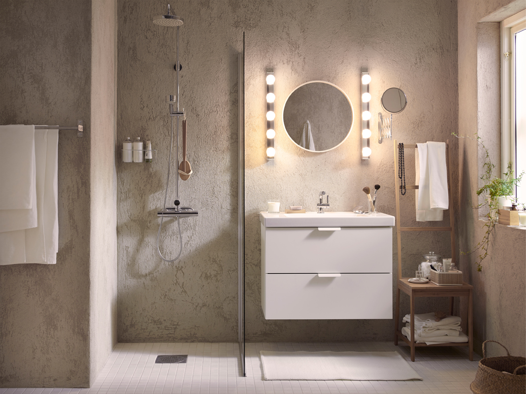 evenly and functional lit bathroom supports the different activities