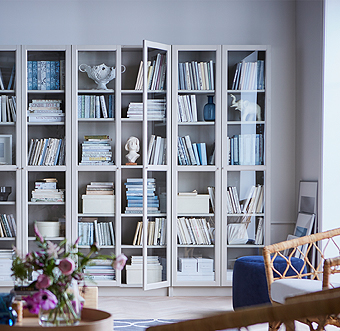 BILLY is a modern bookcase success story for a reason. Adjustable shelves adapt to all book and magazine sizes and OXBERG glass doors protect your literary treasure from dust, while giving BILLY – and your living room – an expression of timeless elegance.