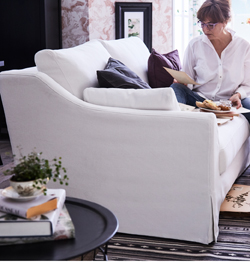 This FÄRLÖV three-seat sofa has pocket springs that follow your body for maximum comfort. The curved armrest gives it a gracious look and the white cover is made from crisp, renewable cotton and linen.