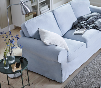 All EKTORP sofas have seat cushions that give comfortable support for your body, and regain their shape when you get up. This light blue cover is easy to keep clean as it is removable and can be machine-washed.