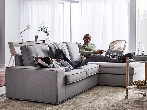 Seat cushions with memory foam and padded, extra-wide armrests – our KIVIK seating series is all about comfort and relaxing. This light grey fabric cover can be machine-washed.