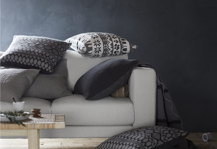 Lightweight but warm, IKEA VÅSSAD throws are made of 100% wool and even stain repellent. Keep cosy and insulated this holiday under blankets!