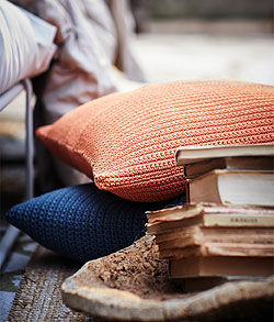 Orange is the new black! These SÖTHOLMEN cushion covers are crocheted by hand in the Thai Binh province of Vietnam. Each cover reflects the artistry of the skilled craftsmen.