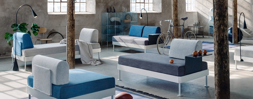 Get ready for DELAKTIG, a new open take on seating! Launched by IKEA and designer Tom Dixon, you can personalise or change this open sofa platform any way you like. Add a table and a new pillow cover. Swap the armrests around. Dress it in a new cover.