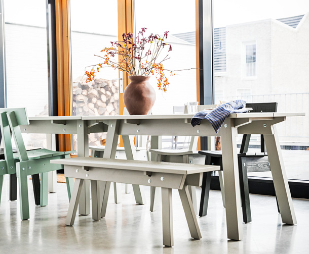 Tables, chairs and benches from the INDUSTRIELL collection come in different colours that match each other.