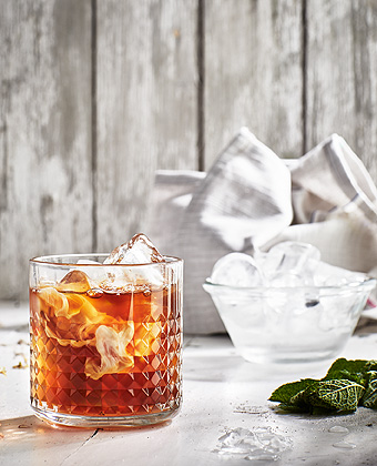 IKEA EGENTID teas can be used to make this almost dessert-like, chilled drink with peppermint and cacao flavor.