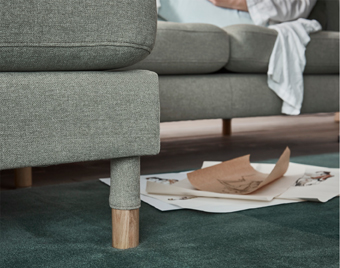 Matching sleeve legs is just one of the many carefully worked out details that make LANDSKRONA stand out.