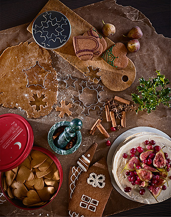 Complete the Swedish winter version of fika with a fairtytale IKEA VINTERSAGA gingerbread dough.