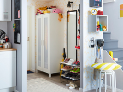IKEA GREJIG black net shoe rack and white ANABODA small wardrobe closet are small space solutions to organise your tiny hallway without feeling crowded.