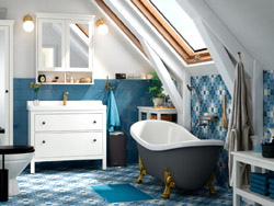 IKEA HEMNES/RÄTTVIKEN wash-stand and HAMNSKÄR wash-basin mixer with tap creates a clean and beautiful look in the bathroom and offer great storage inside.