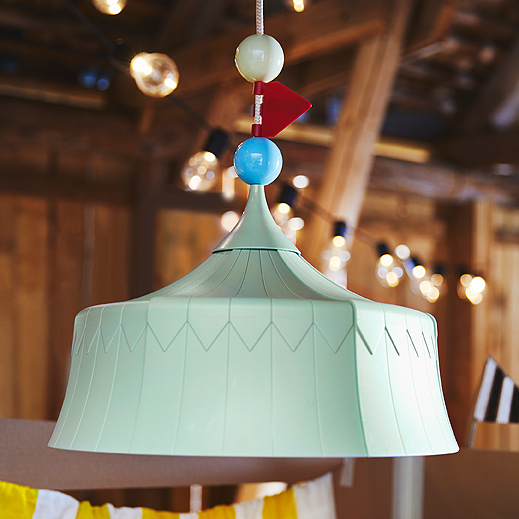 With TROLLBO pendant lamp, the circus is always in town. A close-up shows its blue tent shape in recycled PET plastic.