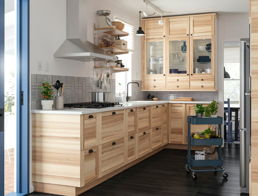 IKEA TORHAMN kitchen front system in solid ash in the kitchen creates a natural look and SEKTION has a lot of different cabinets and drawers to choose from – design a kitchen that fulfils your needs completely.