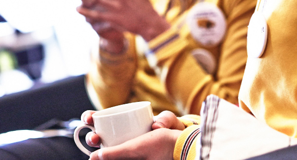 Collaborateurs IKEA prenant une pause café