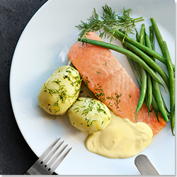 Salmon Fillet with Hollandaise Sauce