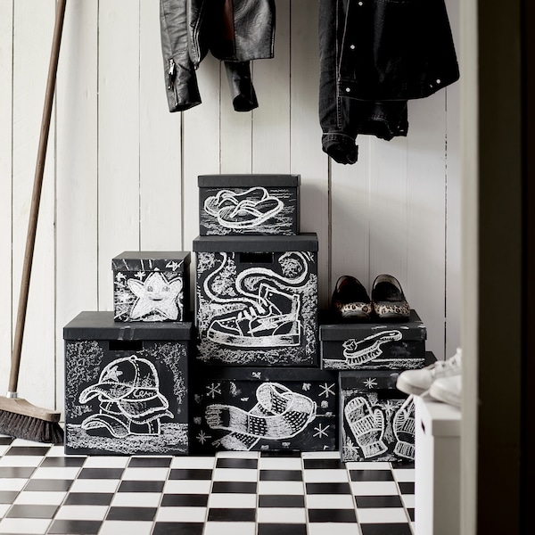TJENA Caja para almacenaje con tapa, negro, 18x25x15 cm