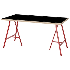 Colour: Black plywood/red.