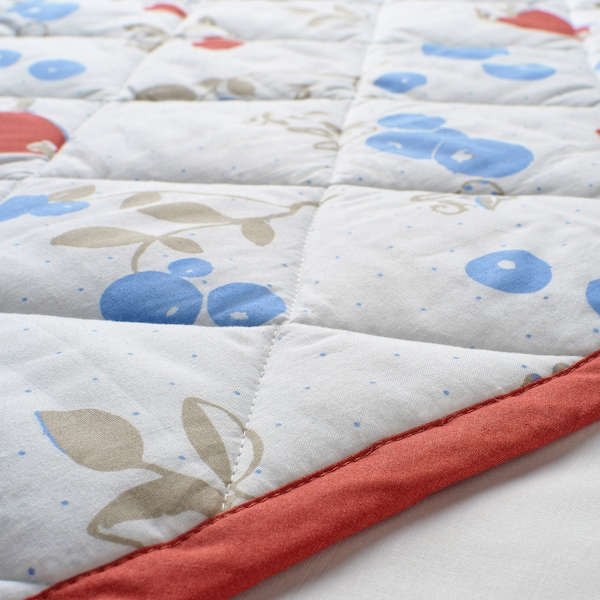 RÖDHAKE Quilted blanket, rabbits/blueberries pattern/white/red, 96x96 cm