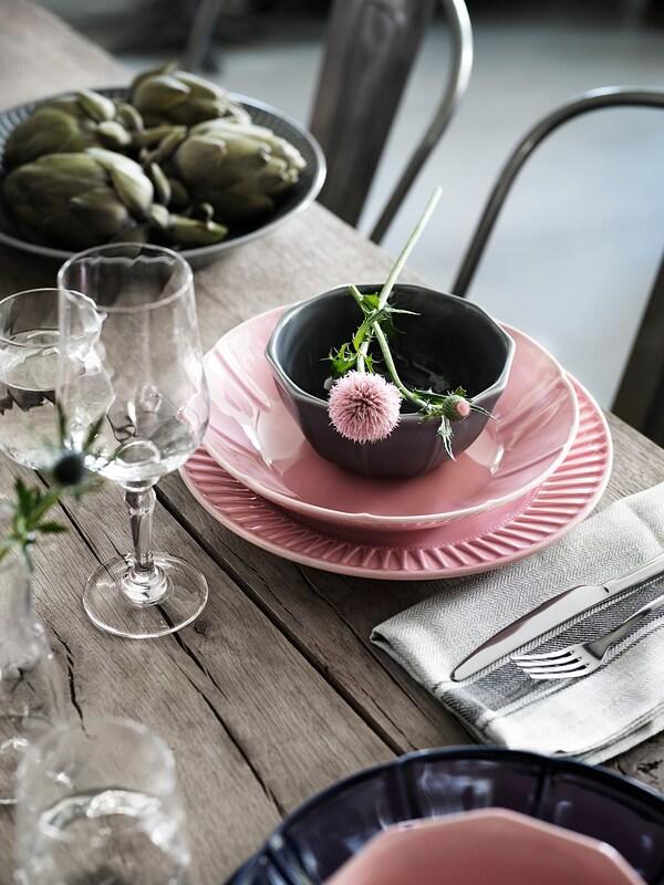 STRIMMIG Plate, stoneware pink, 27 cm