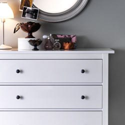 Go to chest of drawers