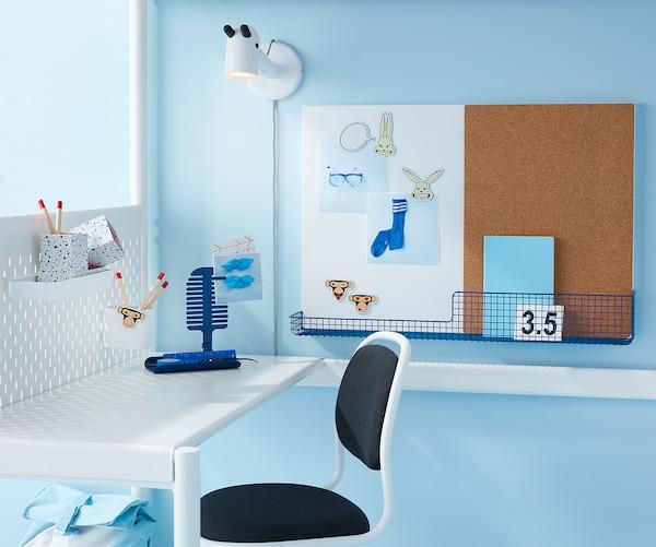MÖJLIGHET Noticeboard/whiteboard with basket, white/blue, 71x49 cm