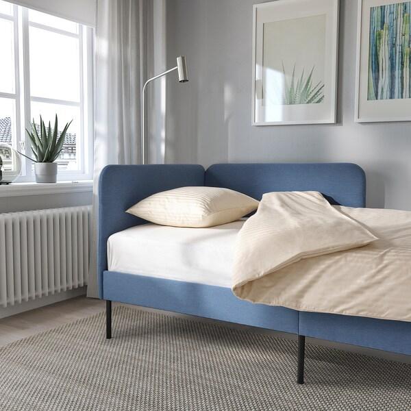 BLÅKULLEN Gestoff. bedfr met hoekv hoofdeinde, Knisa middenblauw, 90x200 cm