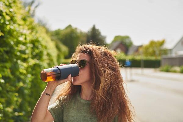 EFTERSTRÄVA Reisbeker, helder glas/silicone, 0.5 l