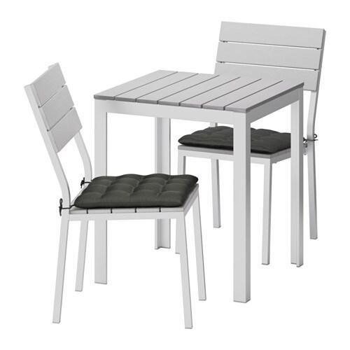Falster tafel 2 stoelen buiten falster grijs h ll for Buiten stoelen