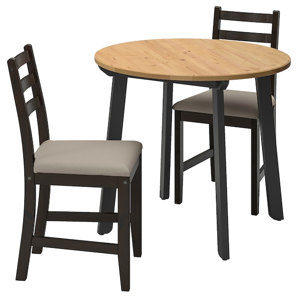 GAMLARED / LERHAMN tafel met 2 stoelen licht antiekbeits zwartbruin/Vittaryd beige 85 cm