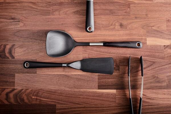IKEA 365+ HJÄLTE Bakspaan voor wok, roestvrij staal/zwart