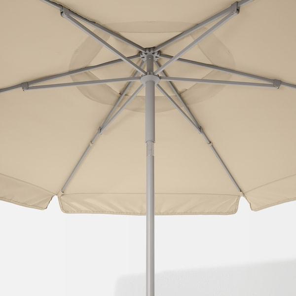 KUGGÖ / VÅRHOLMEN Parasol met voet, grijs beige/Grytö donkergrijs, 300 cm