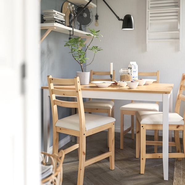 LERHAMN Tafel en 4 stoelen, licht antiekbeits wit gebeitst/Vittaryd beige, 118x74 cm