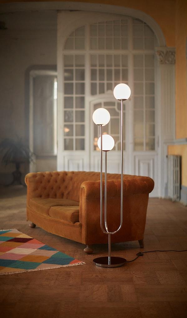 SIMRISHAMN staande lamp verchroomd/opaalwit glas 158 cm 30 cm 200 cm 7 W