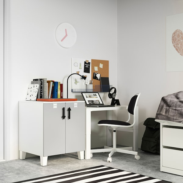 SMÅSTAD / PLATSA Kastje, wit grijs/met 1 plank, 60x57x63 cm